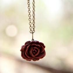 Red-Brown Vintage Style Rose Necklace with an Antique Brass Chain - Spice