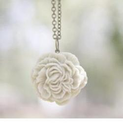 Cream-Ivory Peony Flower Necklace Bridal Jewelry - Pearl